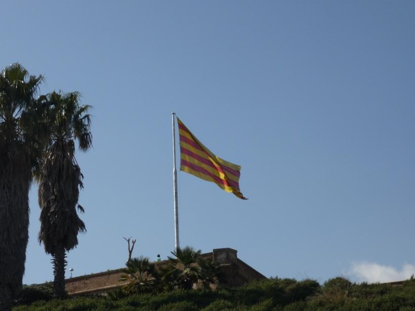 Bandera de Catalunya en el Castillo de Montjuic